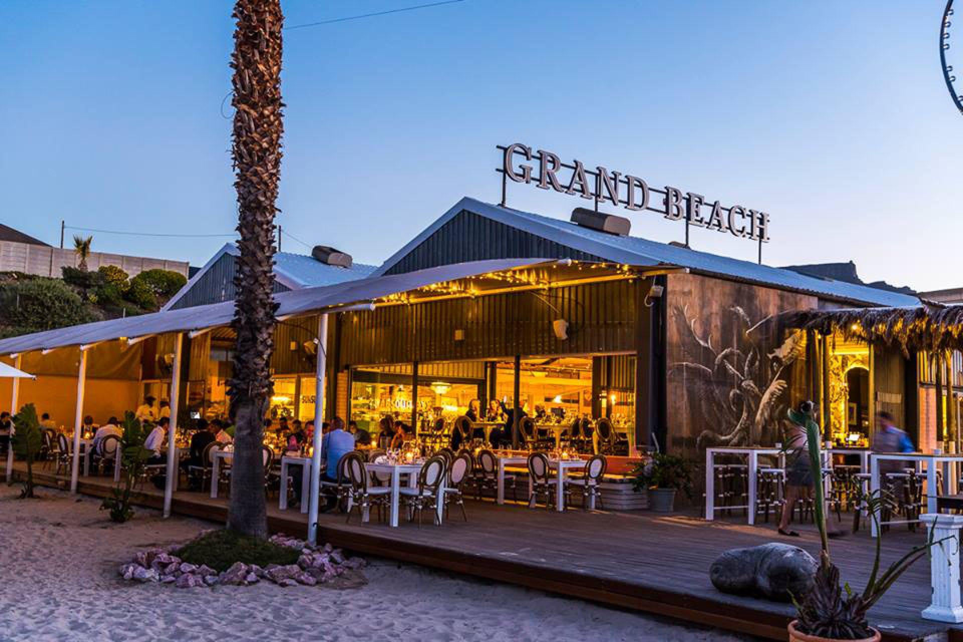Life Grand Café - Top 5 Beach Bars in Cape Town